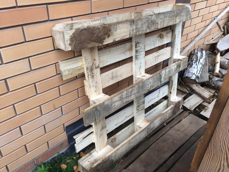 Деревянная подставка под еврокуб для емкости для воды
