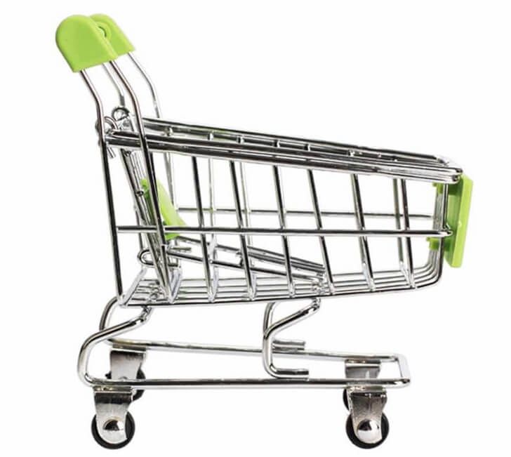 Тележка из супермаркета для загородного дома